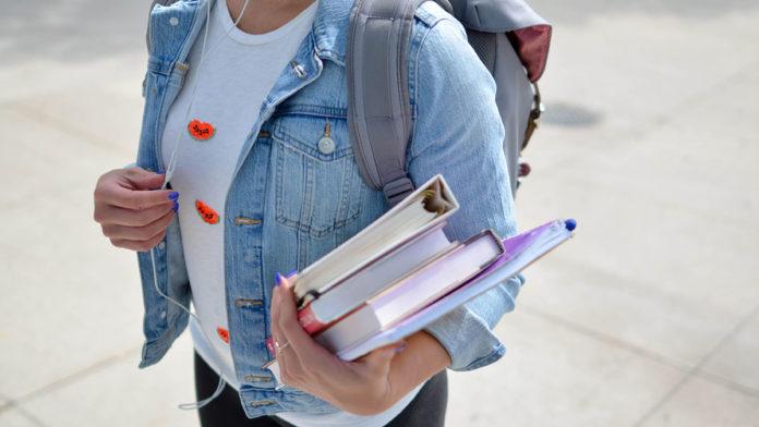 Kolik stojí studium na vysoké škole